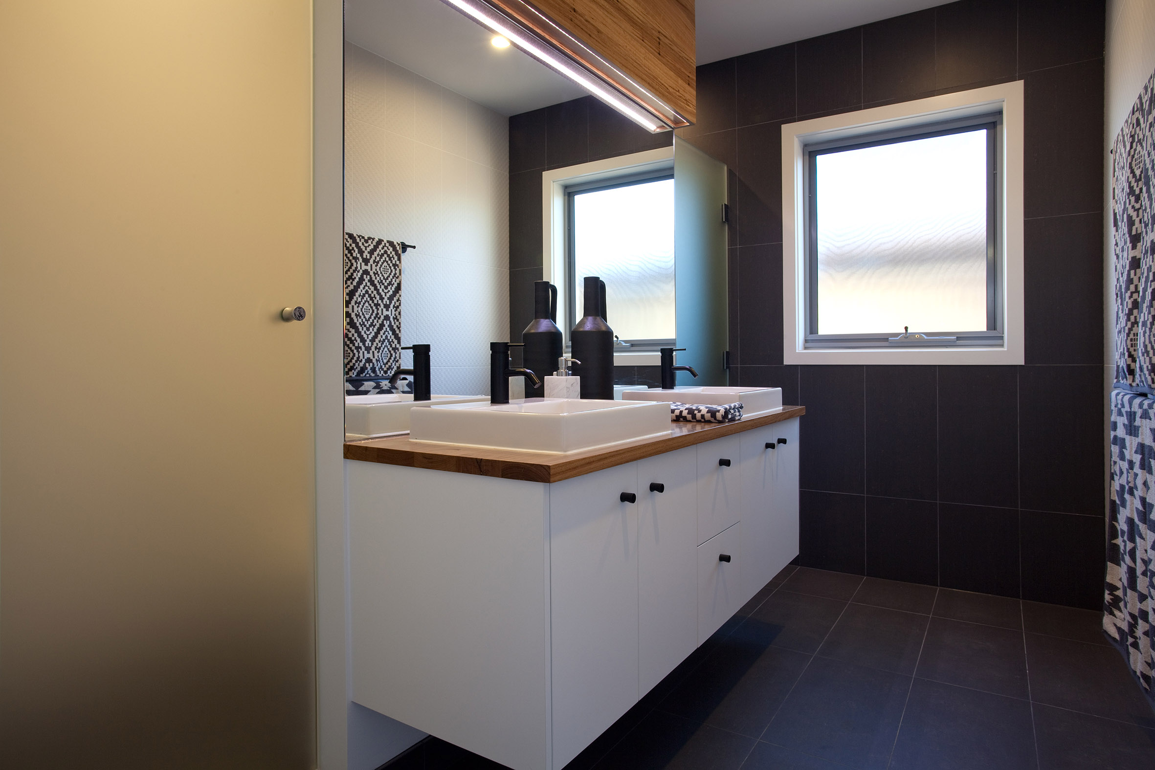 hopper-homes_jagera250_bathroom